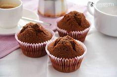 MUFFIN AL CAFFE'  I muffin al caffè sono i dolcetti ideali per una colazione golosa e super sprint. Accompagnati da un buon bicchiere di latte fresco vi faranno cominciare la giornata nel migliore dei modi. Come avrete notato ho una vera passione per i muffins e da oggi questi sono decisamente nella top ten!! Continua a leggere: http://www.lacucinaimperfetta.com/2015/10/muffin-al-caffe.html  #lacucinaimperfetta #ricette #recipes #muffin #caffè