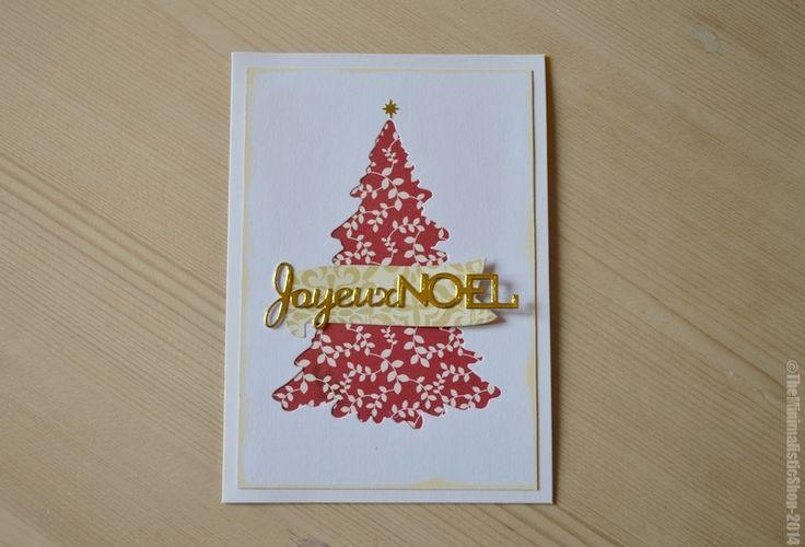 """Carte de vœux """"Joyeux Noël"""" en relief, en papier cartonné écologique. Sapin rouge en relief. """"Joyeux Noël"""" en relief doré.Partie neutre à l'intérieur pour noter votre texte.Dimension 10.5 x 15 cmEmballée dans une pochette et livrée avec enveloppe décoré à l'arrière.Fait main/HandmadeCréation originale / Modèle Unique"""
