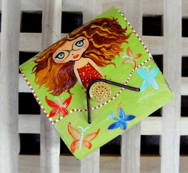"Hand painted wood wallet .Portofel lemn ""Cute Girl"""