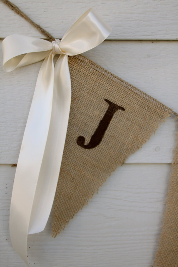 Burlap Banner Wedding banner - Just Hitched - Looks easy to make