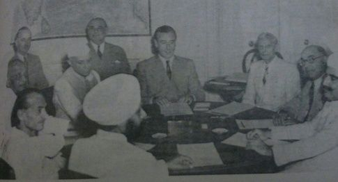3 June 1947,at Viceroy's house,Mountbatten securing the agreement to divide India. At his right: Nehru,Patel for congress , at his left : Jinnah, Liaquat Ali Khan for Moslem League