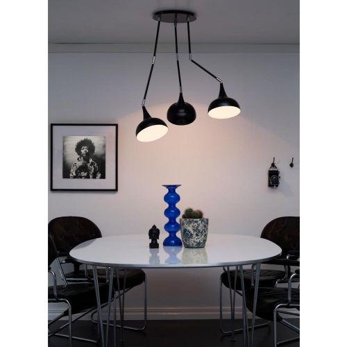 Stanford należy do serii lamp retro w nowoczesnej formie. Funkcjonalność ruchomych przegubów pozwala ukierunkować światło w dowolne miejsce. Gustowne połączenie kielicha metalowego z przegubem chromowanym wypełni pięknym światłem nowoczesne, jak również modernistyczne wnętrza, oraz pomieszczenia typu loft.