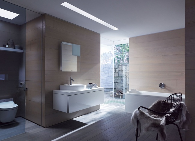 Duravit has revamped the Starck 2 series with new refreshing nuances in order to remain one step ahead of the latest trends.