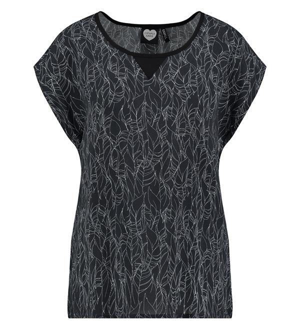 Catwalk Junkie t-shirt, model TS Stockholm. Deze tee heeft een all over verenprint.