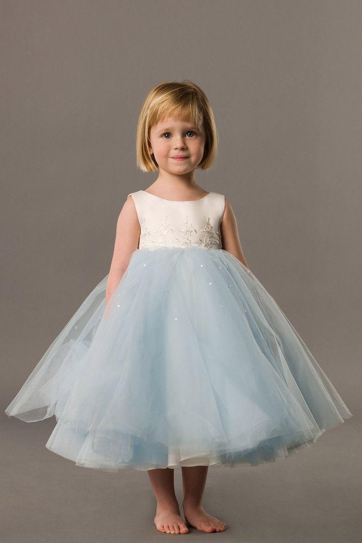 Young girls wedding dresses  Zhia Devita zhiadevita on Pinterest