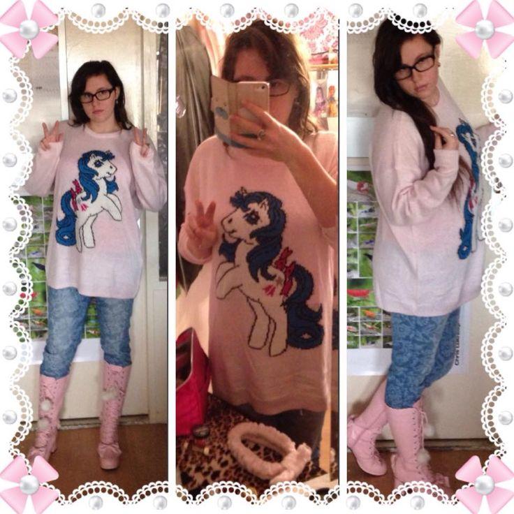 Dikke winter trui...My little pony ;) blijft een favoriet van Lies!