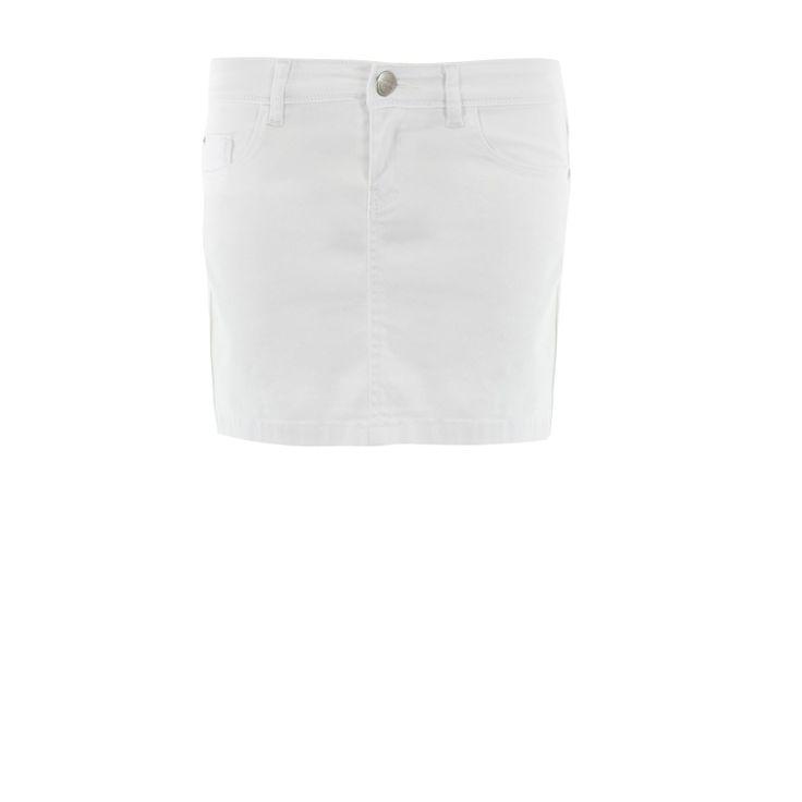L'incontournable de la saison et de votre dressing : la mini-jupe en jean ! Coupe droite, 5 poches, ouverture zippée et boutonnée.