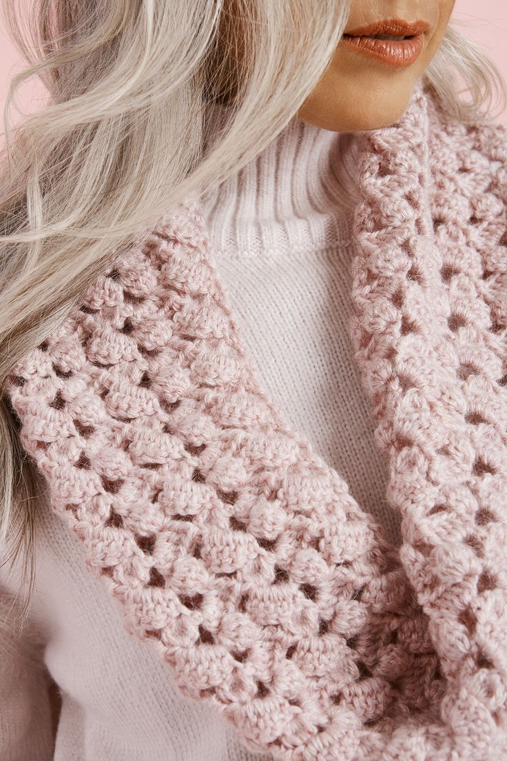 Saugerties Cowl - Free Crochet Pattern With Website Registration - (lionbrand)