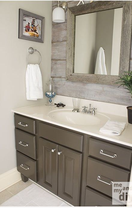 Bathroom inspiration accent wall painted gray vanity - Accent color for gray and white bathroom ...
