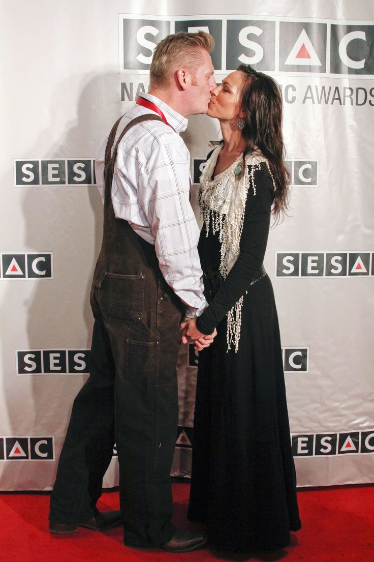 NASHVILLE, TN - NOVEMBER 07: Rory Lee Feek and Joey Martin Feek of Joey and Rory attend the 2011 SESAC Nashville Music Awards at The Pinnacle at Symphony Place on November 7, 2011 in Nashville, Tennessee. (Photo by Ed Rode/WireImage) via @AOL_Lifestyle Read more: https://www.aol.com/article/entertainment/2017/06/28/rory-feek-announces-first-onstage-performance-since-the-death-of/23006624/?a_dgi=aolshare_pinterest#fullscreen