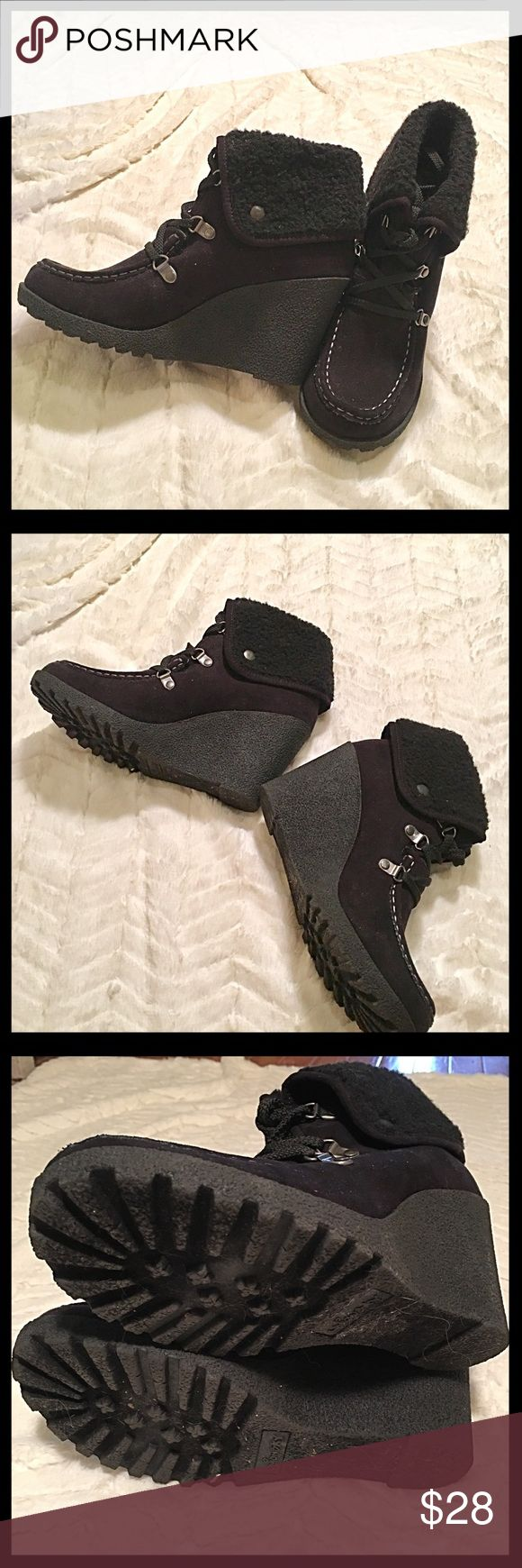Black Wedge Ankle Boots These black wedge ankle boots have been worn only once. Faux fur lined inside and around top that can be unsnapped to come up higher on the leg. I have too many boots and booties so need to let some go. 😣 UNIONBAY Shoes Ankle Boots & Booties