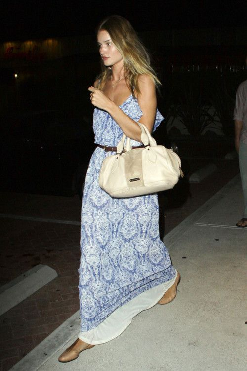 Maxi maven: Rosie Huntington Whiteley, Outfits, Maxi Dresses, Fashion, Summer Style, Blue, Street Style, Maxis, Photo