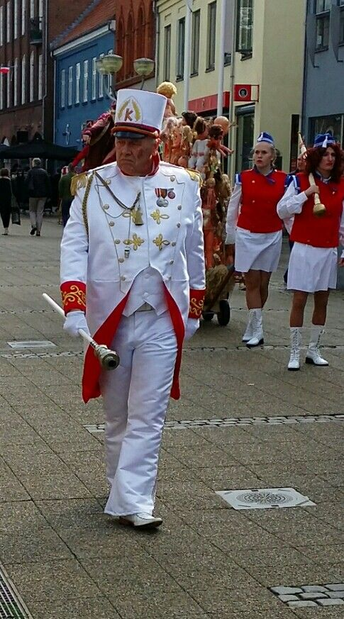 Uniform and hat  made by me: Ravnens Datter