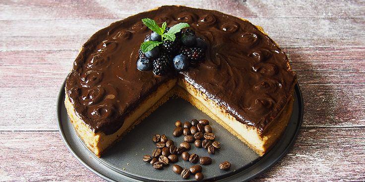 Prečo práve kávový cheesecake? Niekedy nám potešenie prinesie šálka kávy, inokedy tabuľka čokolády. Čo tak troškou z oboch?