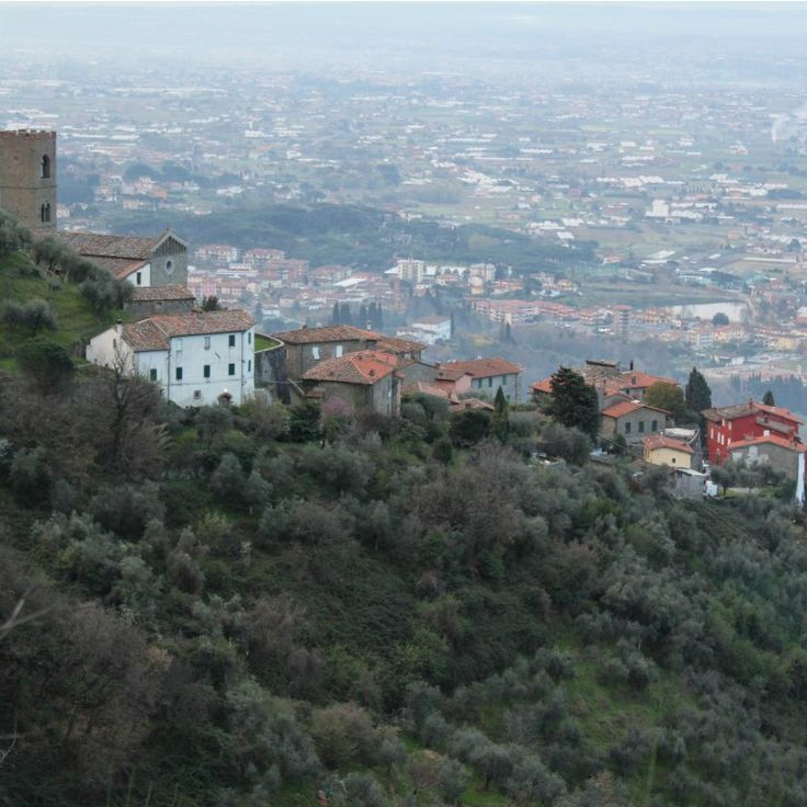 Looking down at our beautiful little home in Tuscany.   Uzzano Castello.  #startthedaywithsomethingbeautiful