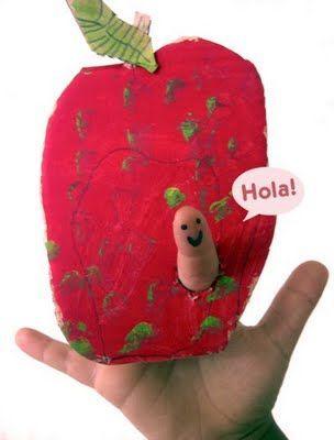 Rupsje nooit genoeg appel of andere fruit enz. met gaatje voor de rups (=vinger)