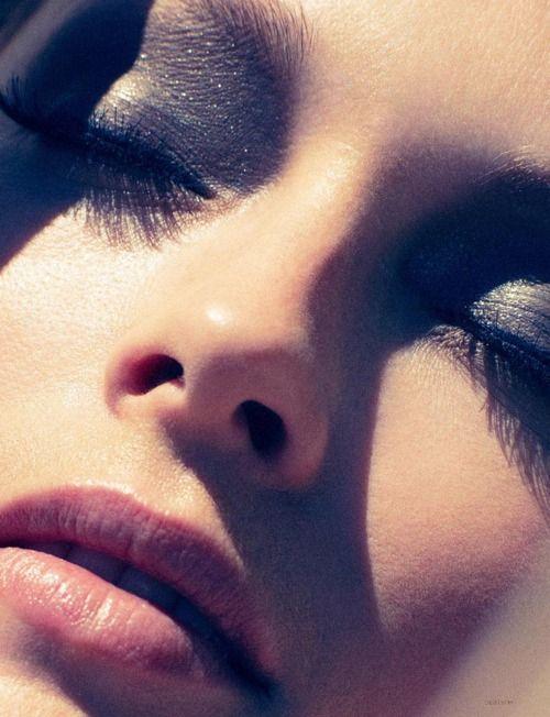 Smoky grey shadow.Beautiful Makeup, Marian Sell, Eye Makeup, Beautiful Editorial, Dark Eye, Pink Lips, Smoky Eye, Smokey Eye, Prom Makeup
