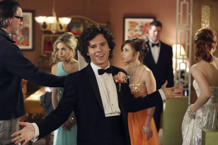 Axl Heck Played by Charlie McDermott