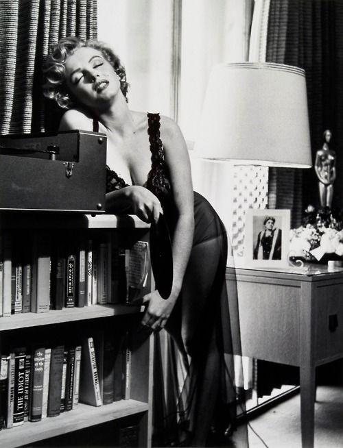 marilyn monroe vintage black and white 1952 philippe halsman