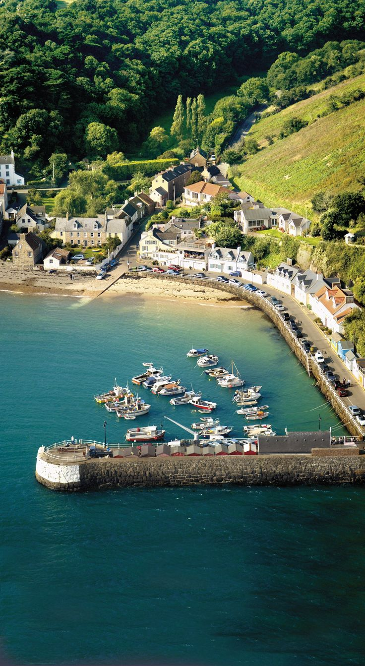 Snapshot of a charming harbour in picturesque Jersey, Channel Islands #EscapeToJersey