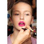 Розовый макияж на пике популярности