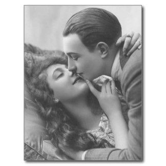 Cartões românticos antigos dos casais do vintage, cartão postal