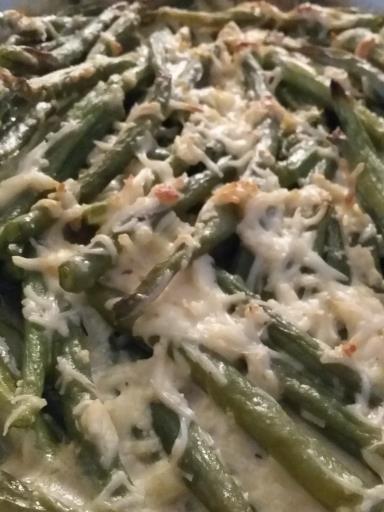 muscade, poivre, citron, haricot vert, oeuf, crême fraîche, farine, champignon, beurre, eau, sel, gruyère râpé