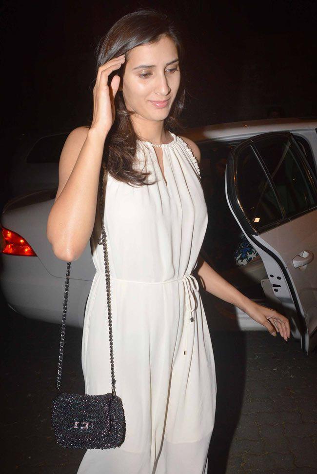 Pragya Yadav at Sonali Bendre and Goldie Behl anniversary bash. #Bollywood #Fashion #Style #Beauty