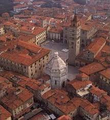 Pistoia - piazza del Duomo from above