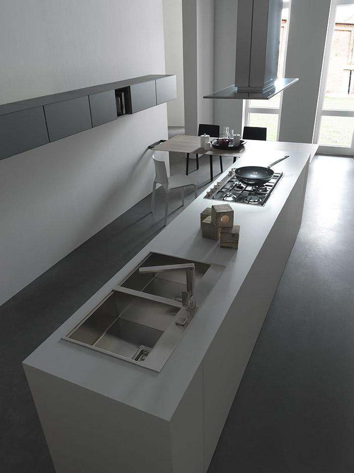 A new breed of #designkitchen. An uncluttered geometrical style filled with delicate light. Light design kitchen program. www.modulnova.it #designkitchen #interiordesign #designhome #designfurniture