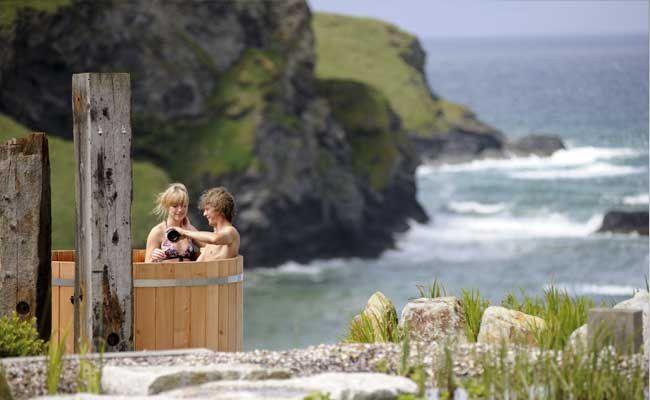 Scarlet Hotel cliff top hot tub