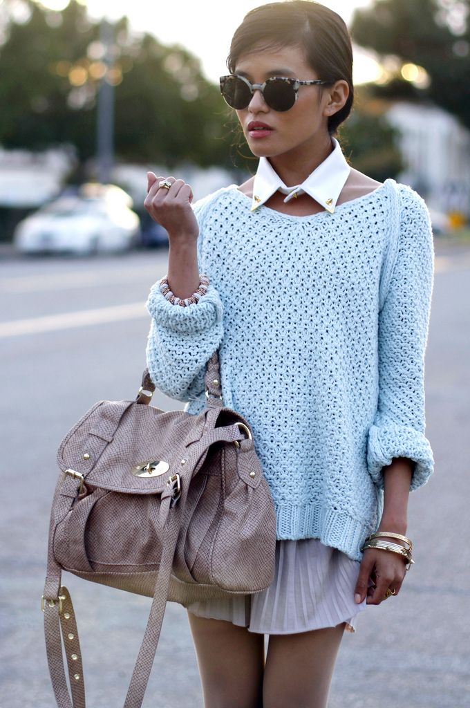 Oversized sweater, collar, and pleated mauve skirt. Love!!