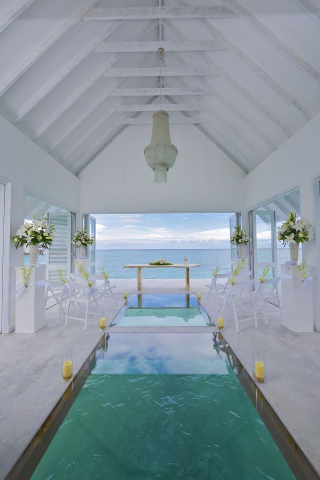 Situated about 50 meters offshore from The Four Seasons Resort Maldives at Landaa Giraavaru, the wedding pavilion is only accessible by boat.