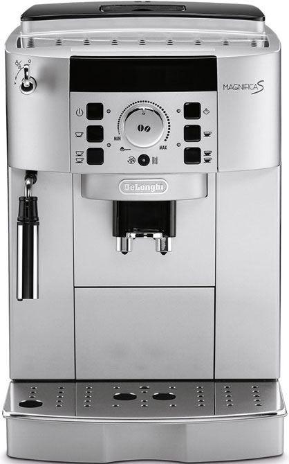 DeLonghi Magnifica S ECAM 22.110.SB  DeLonghi Magnifica ECAM 22.110 SB espressomachine De DeLonghi Magnifica ECAM 22110SB is niet voor niets een van de populairste modellen van DeLonghi. Deze alleskunner is namelijk geschikt voor zowel espressobonen als gemalen koffie en dankzij de gebruiksvriendelijke bedieningsmogelijkheden zet je in een handomdraai de aller-lekkerste koffiespecialiteiten. Het cappuccinosysteem met RVS stoompijpje mengt stoom lucht en melk en produceert zo een rijke romige…