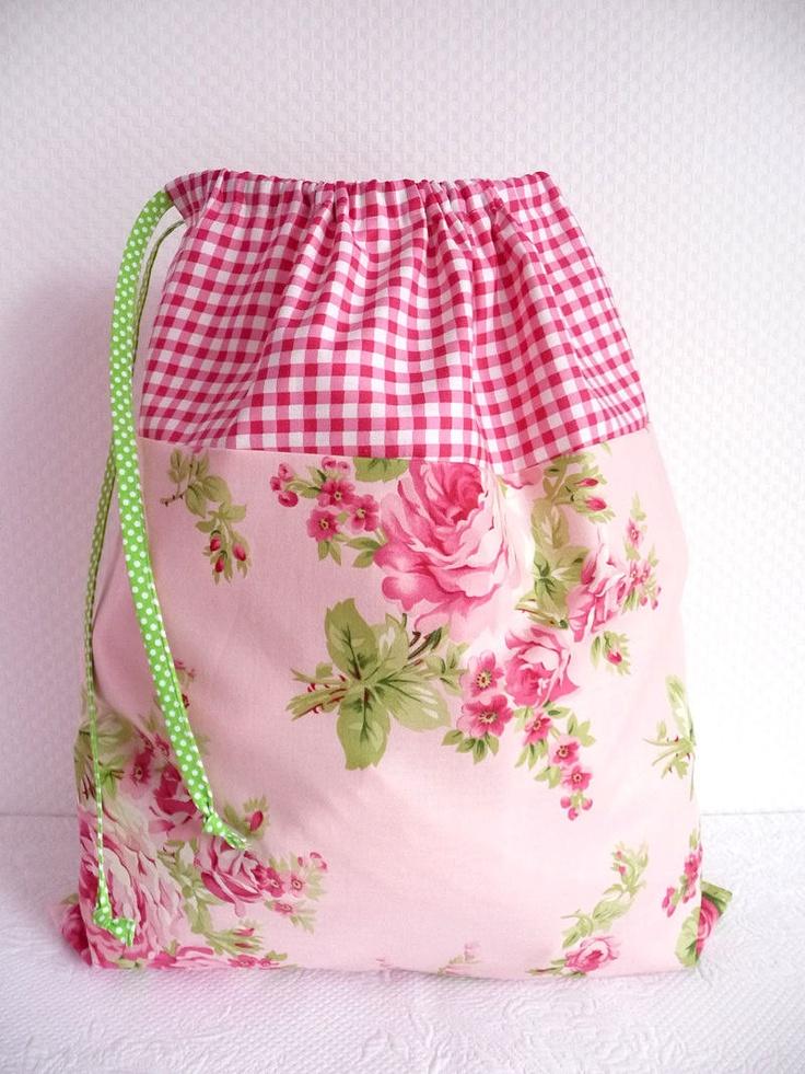 Shabby Chic Laundry Bag Lingerie Bag Roses and par PeriDotbyDuni