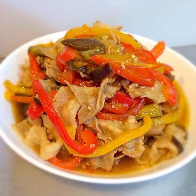 味付けは焼肉のタレのみ! 簡単野菜炒め♩ - 31件のもぐもぐ - パプリカとピーマンの豚肉炒め by yuasoutamama♥︎
