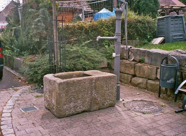 alter Brunnentrog von www.alt-owen.de