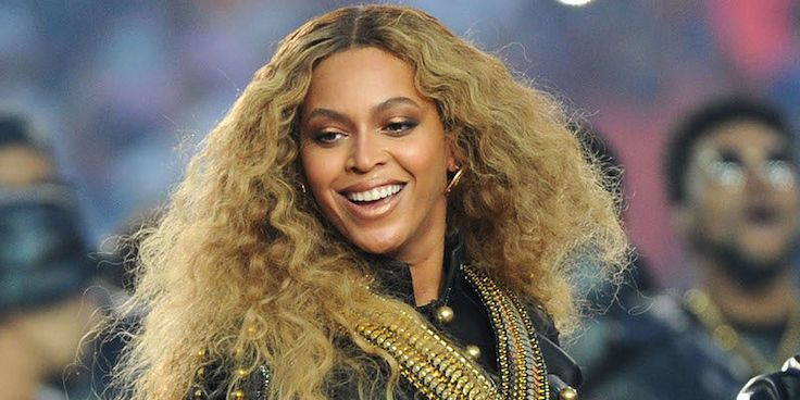 nice Beyonc Fan Proves Her Loyalty With The Most Hilarious Concert Sign Ever