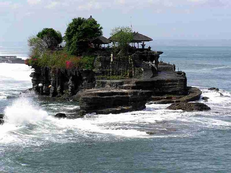 Paket Tour Only di Bali 4 Hari 3 Malam B (tanpa hotel) #pakettourdibali    Paket tour only di Bali 4 hari 3 malam B ini sudah termasuk transport full AC, serta sopir yang sudah berpengalaman, juga tiket masuk obyek wisata seperti: tiket tari Kecak, Tanjung Benoa watersport, GWK, pantai Dreamland, pantai Pandawa, pantai Padang-Padang, Pura Uluwatu, tiket tari Barong, Galuh, Celuk, Kintamani, Tirta Empul, pantai Jimbaran, dll.  goo.gl/aVLzCb