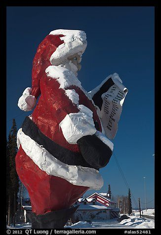 Santa Claus statue and house. North Pole, Alaska, USA