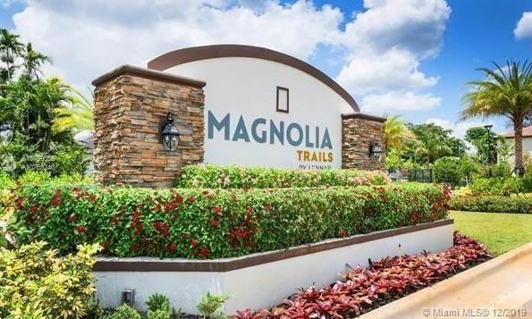 Magnolia Trails Davie 3 Bedrooms 2 Baths 1 Car Garage In 2020 Luxury Townhouse Garden View Broward County Florida