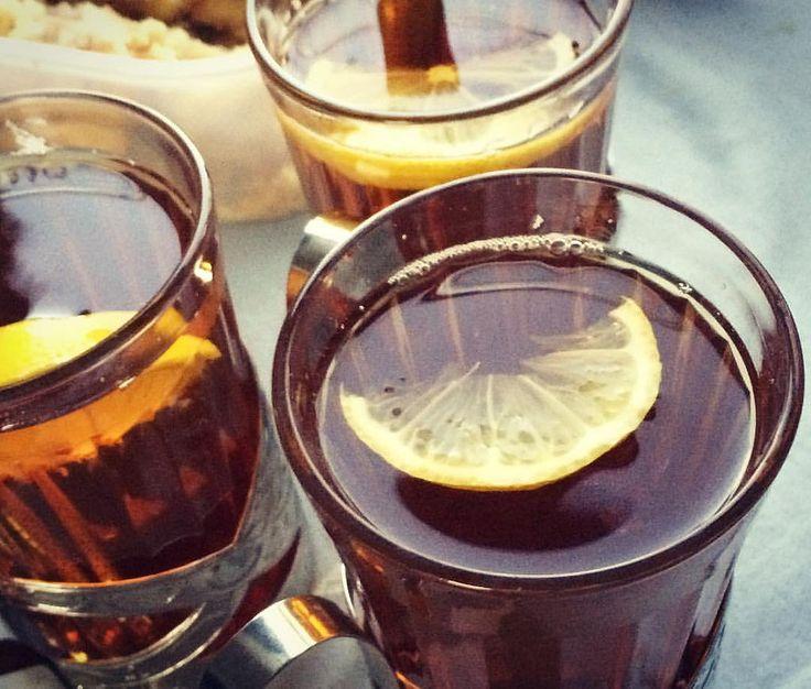 Train tea - неизменный атрибут поездки в советских поездах - чай в подстаканниках #чай #tea #ussr #ссср #поезд #train #travel #lemontea #путешествие #like4like #borninussr #vacation #way #отпуск #creativephototeam #stillife #дорожныйнатюрморт #натюрморт #
