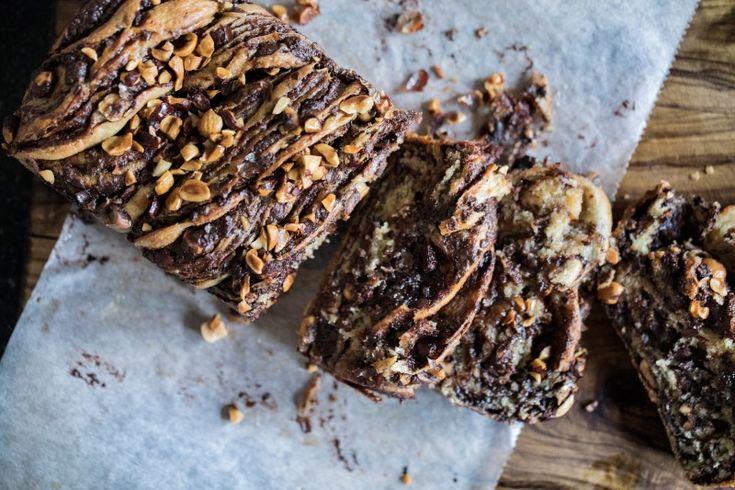 Babka s čokoládou a lískovými ořechy