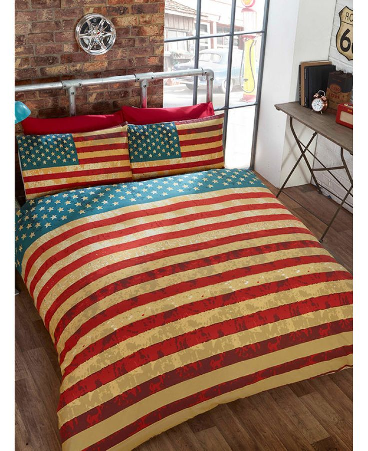 This Retro Garage Single Duvet Cover and Pillowcase Set is made from a polycotton blend and features a vintage American car with a retro feel. Free UK delivery available