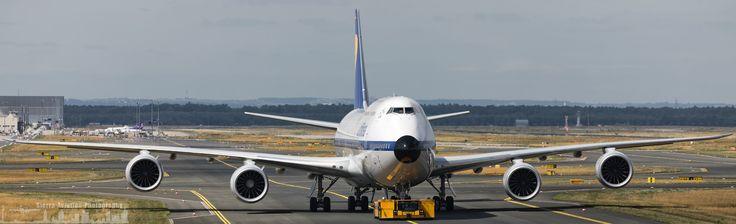 https://flic.kr/p/XatgzS | D-ABYT Lufthansa Boeing 747-8 retro livery close up (FRA - EDDF)