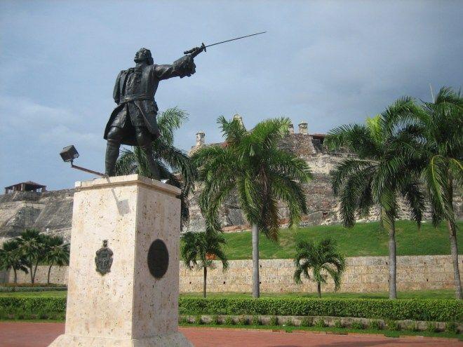 Statue of Don Blas de Lezo, Cartagena, Colombia