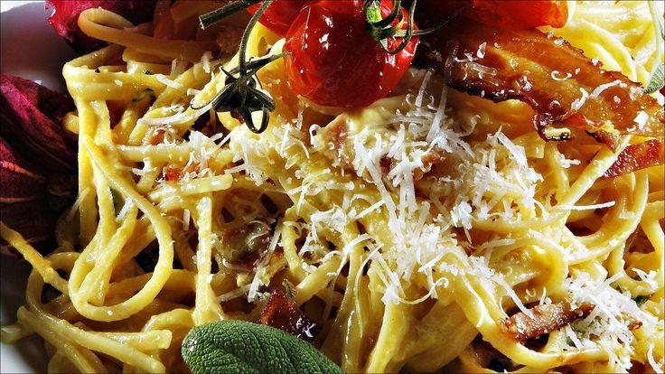 Pasta carbonara er din beste venn for å få det beste ut av dagen. Pasta kommer i alle mulige former og fasonger, og kan brukes til det meste.
