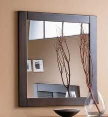 Conseguirás que un espejo quede perfecto y evitarás que aparezcan irisaciones, si añades siempre al agua que utilizas para el último acla...