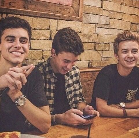 All in one... litterally my favorite magon boys• Jack Gilinsky•Shawn Mendes•Jack Johnson•