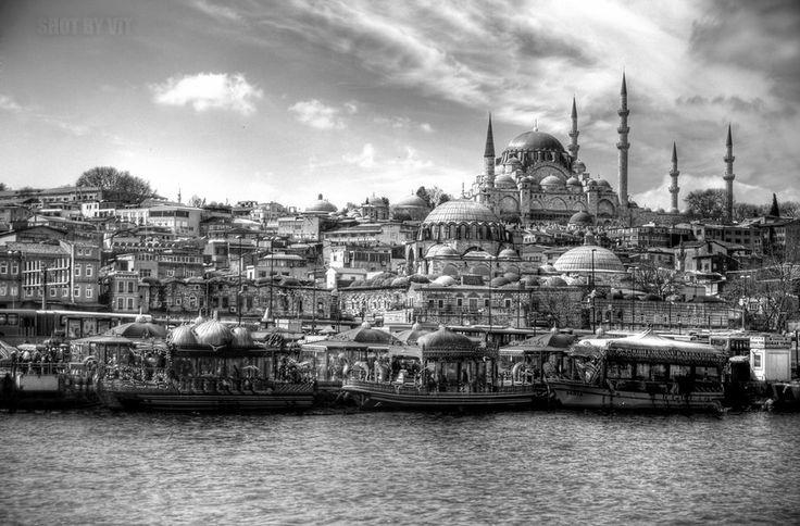 Eminonu Istanbul by Piddling.deviantart.com